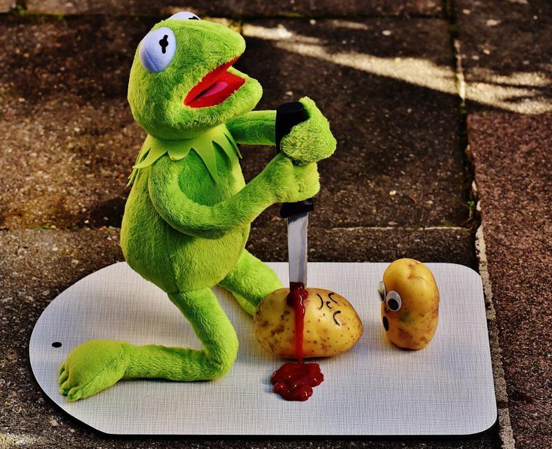 potatoes knife ketchup blood murder funny kermit frog
