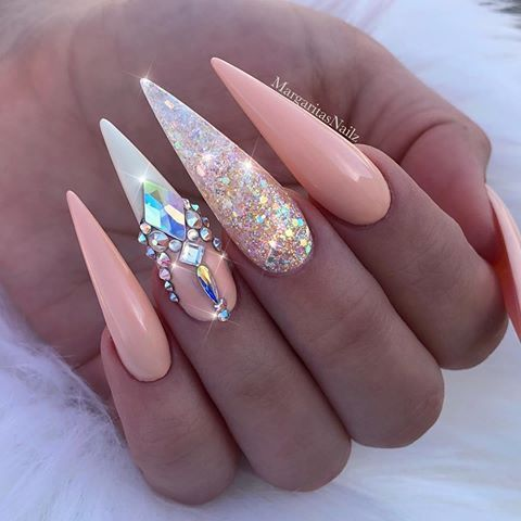 10 Cool Stiletto Nail Designs