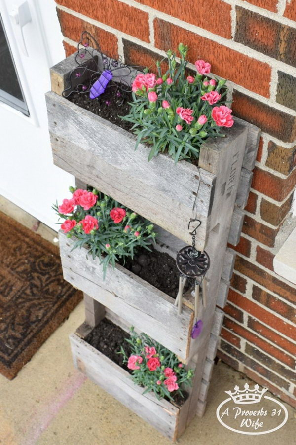 10 Create A Pallet Planter To Attract Butterflies