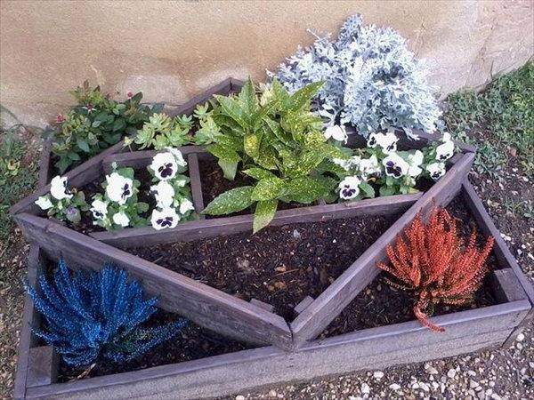 11 DIY Pallet Planter Designed In Very Different Way