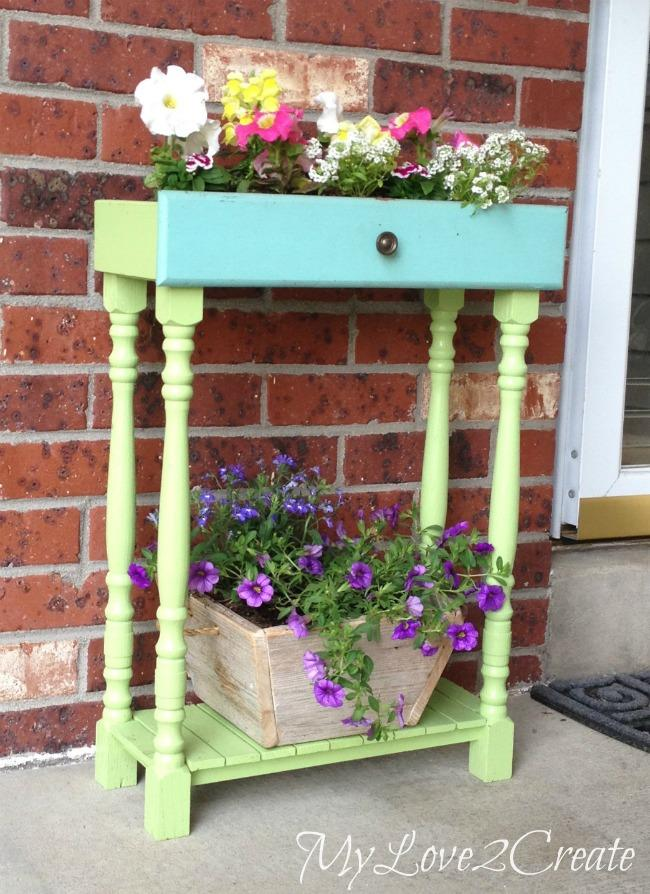 13 Unique  DIY Planter Ideas For Your Front Porch