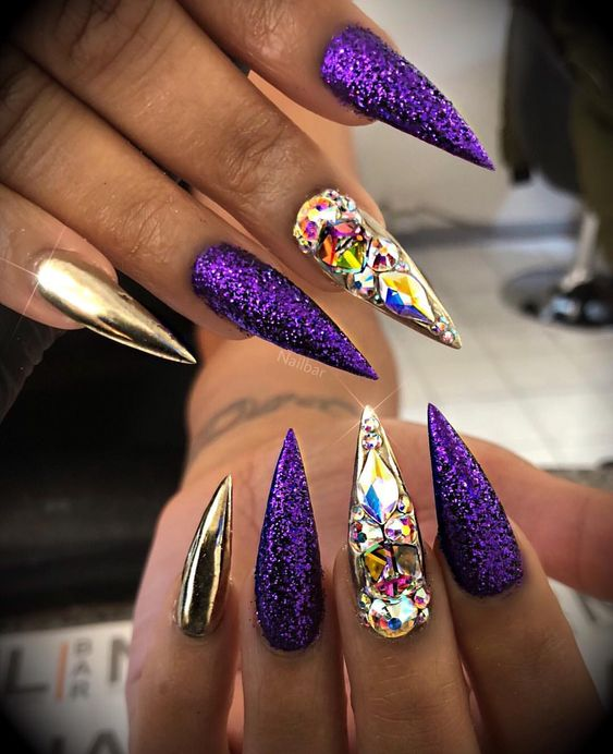 18 Cool Stiletto Nail Designs