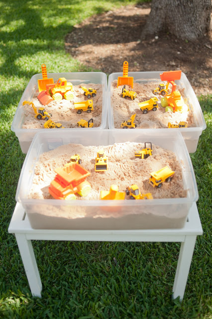 18 Sand-Tables