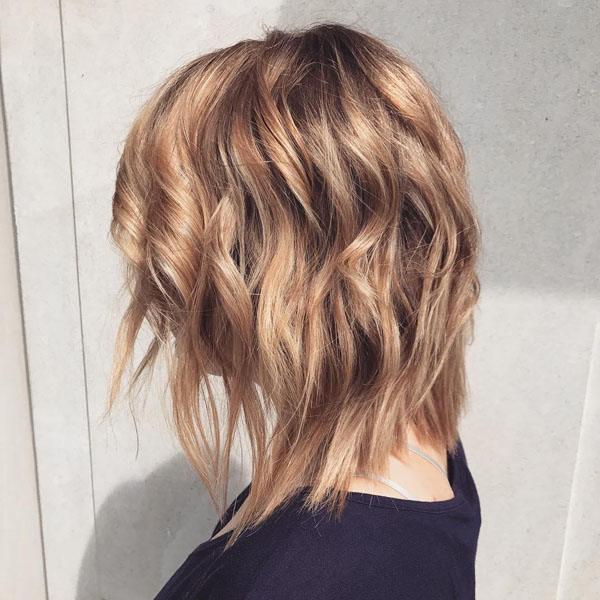 21 Stunning Shoulder Length Hairstyles and Haircuts