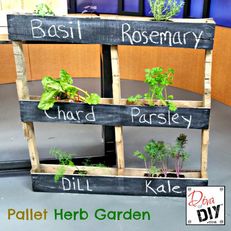 22 DIY Pallet Projects with Tutorials