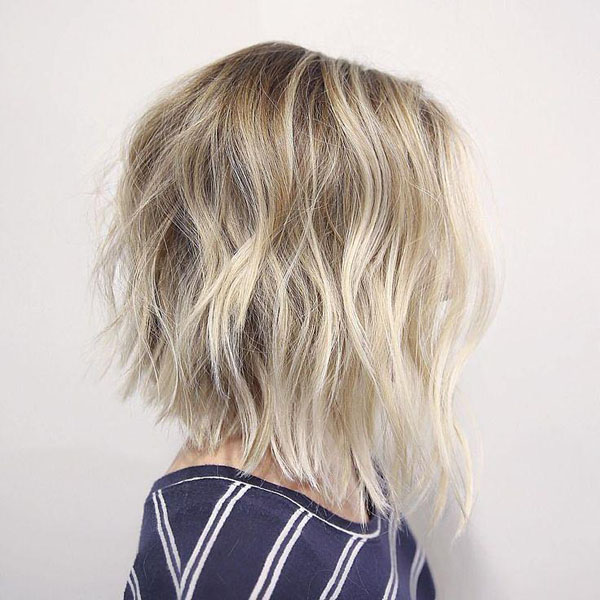 26 Stunning Shoulder Length Hairstyles and Haircuts