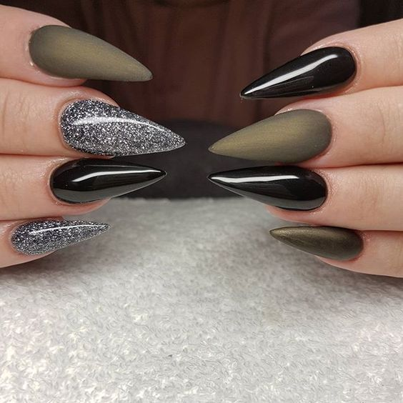 29 Cool Stiletto Nail Designs