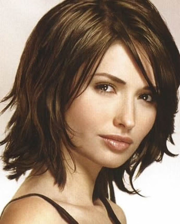 30 Stunning Shoulder Length Hairstyles and Haircuts
