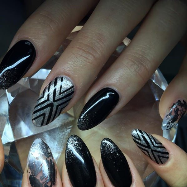 5 Stunning Acrylic Nail Ideas  to Inspire You