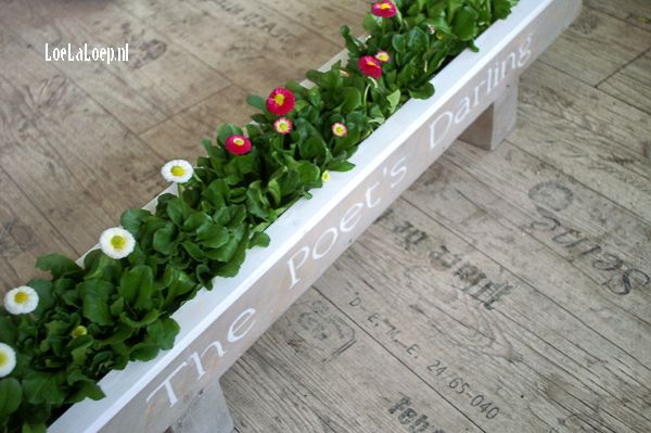 6 DIY Planter from Reclaimed Pallet Wood