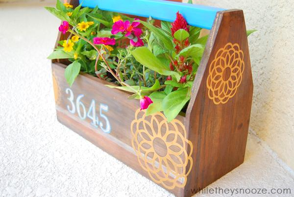 6 Unique  DIY Planter Ideas For Your Front Porch
