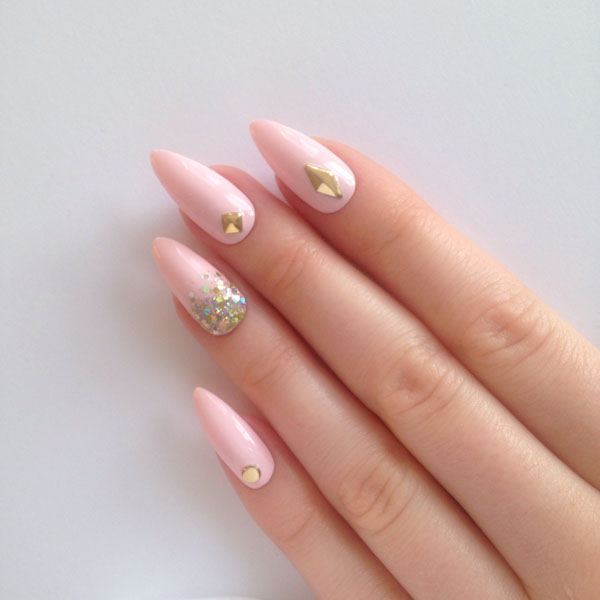 7 Stunning Acrylic Nail Ideas  to Inspire You