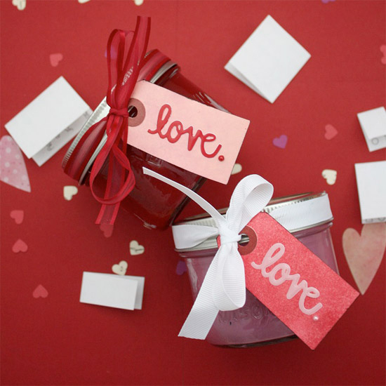 8 Gift Ideas for Valentines Day That You Can Make Yourself