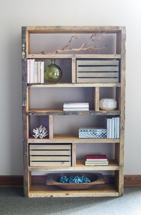 10 Pallet Bookshelf