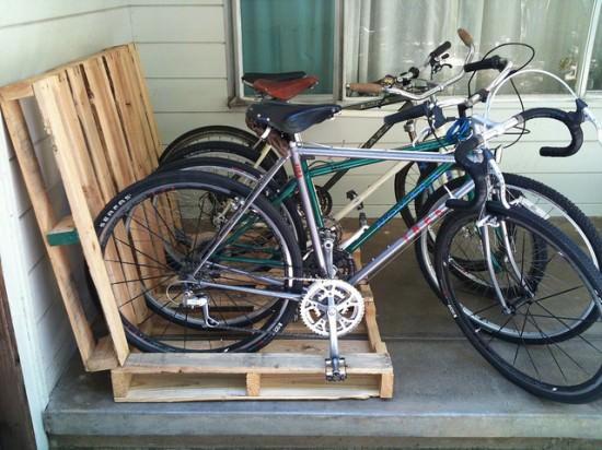 17 Pallet Bike Rack