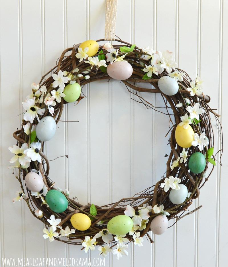 22 Create a rustic Easter egg wreath