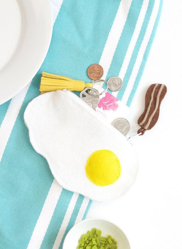 23 Fried Egg Felt Zipper Pouch