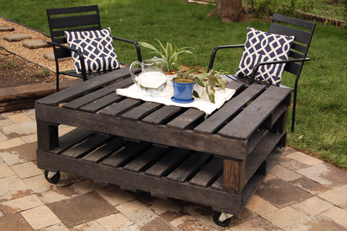 23 Outdoor Pallet Table
