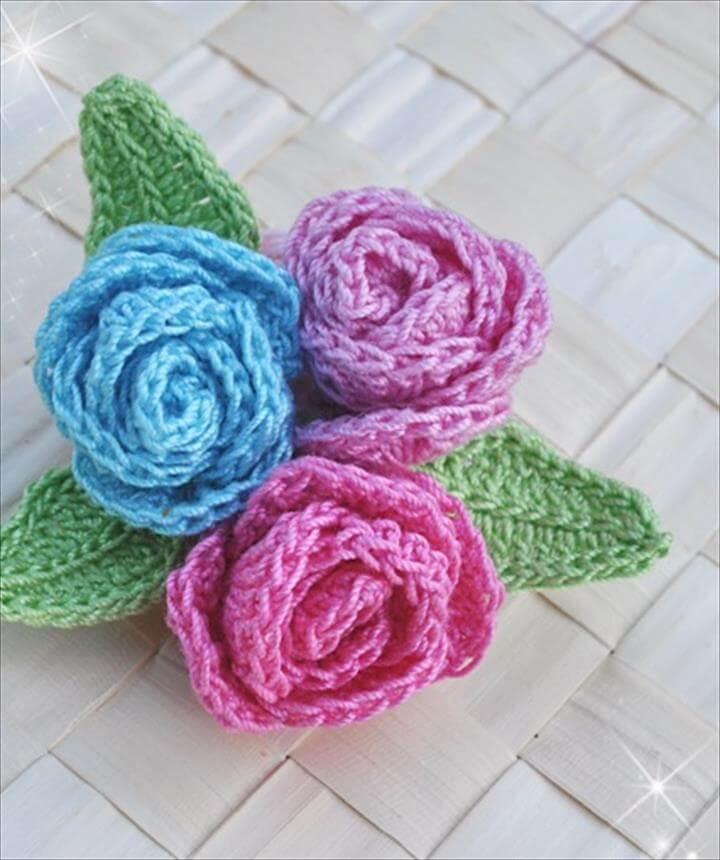 25 Rose Buds Crochet Brooch
