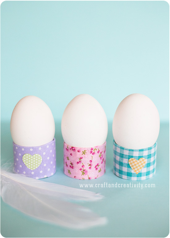 25 Use toilet rolls to make the egg cups