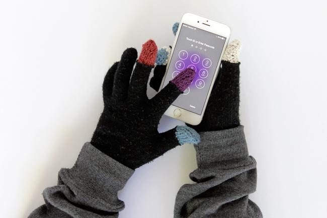 28 Touchscreen Gloves