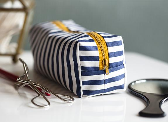 29 Mini Boxy Makeup Bag