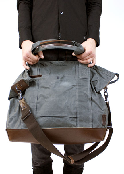 3 Fashionable Travel Bag