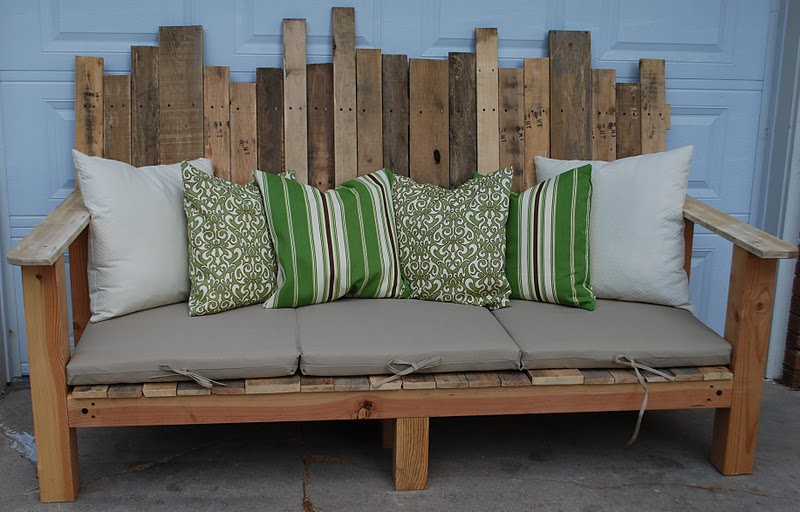 3 Outdoor Pallet Sofa