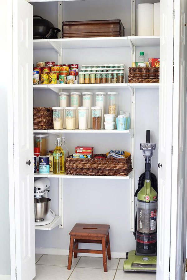 31 How to Organize a Kitchen Pantry with Free Printables