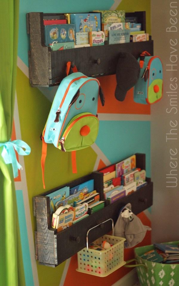 31 Pallet Bookshelves