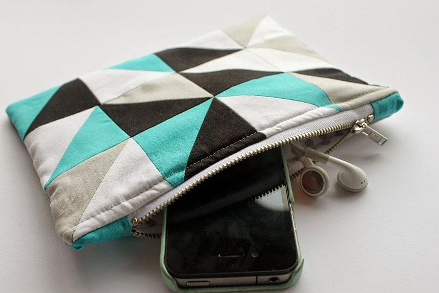 33 Geometric Zipper Pouch