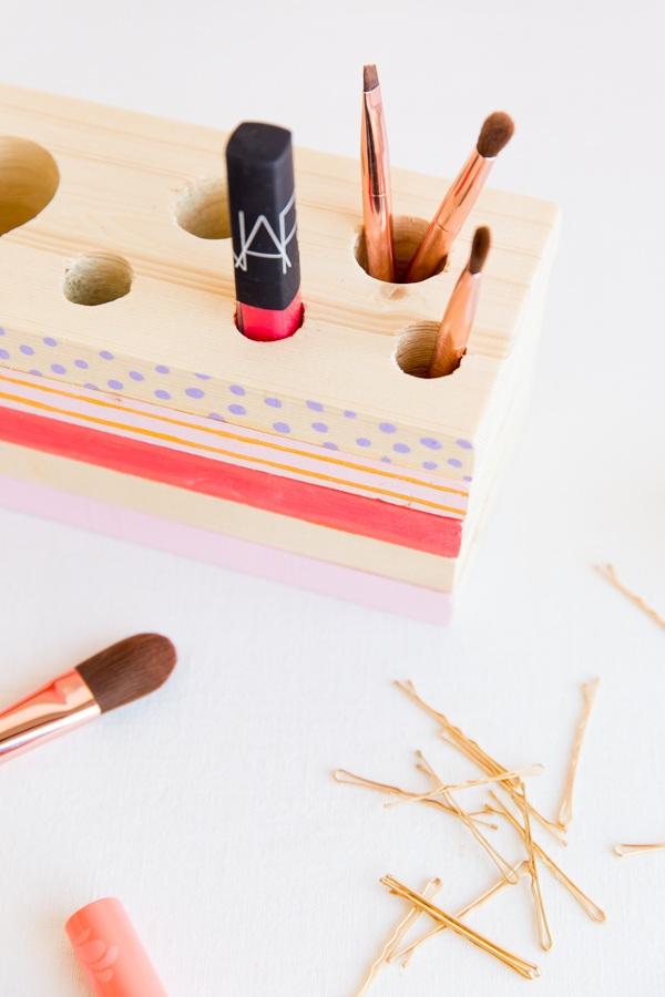 58 Wood Makeup Organizer