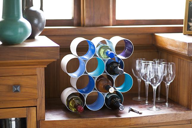 6 DIY Wine Bottle Rack Made From Coffee Cans