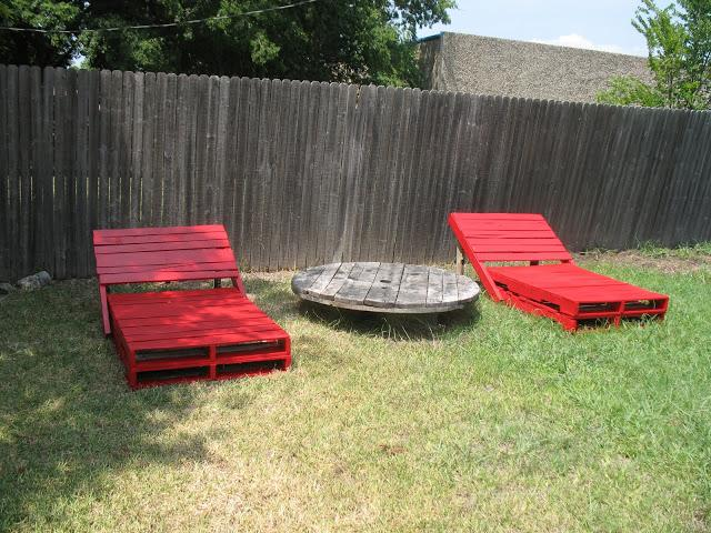 9 Large Outdoor Loungers