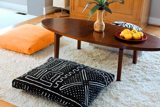 12 Floor cushions