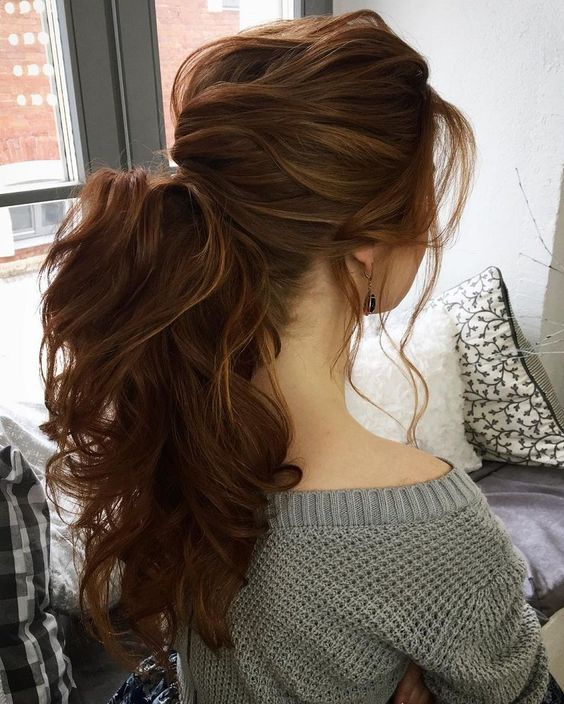 20 curly ponytail hairstyles