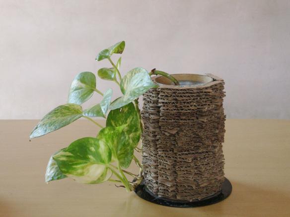 1 Cardboard Vase