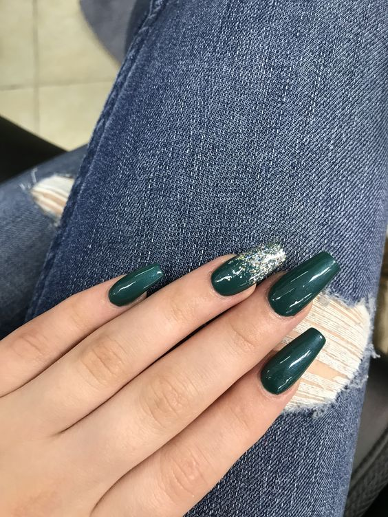 10 Emerald Green Nails