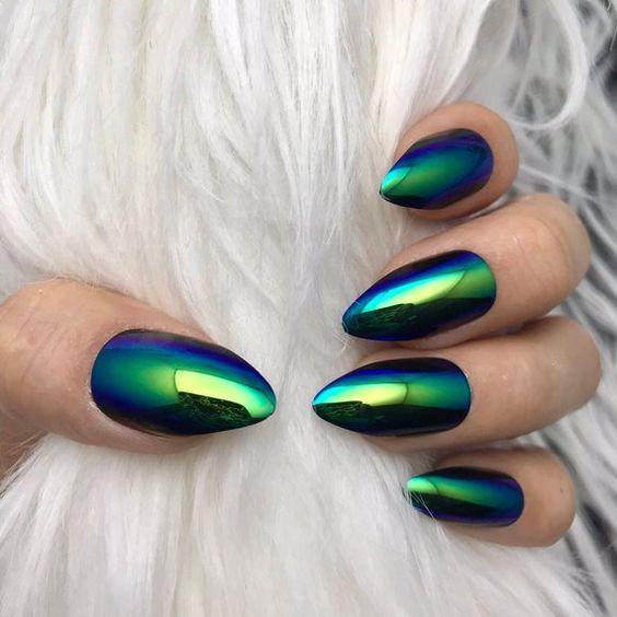 13 Emerald Green Nails