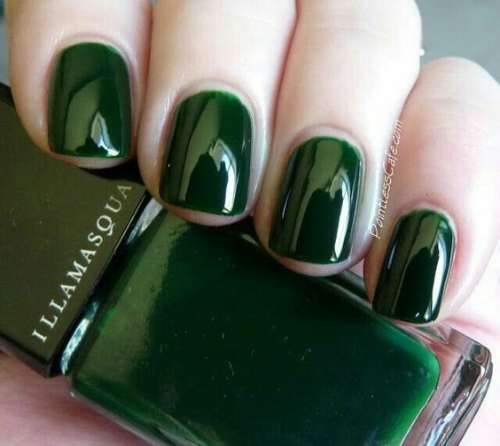 14 Emerald Green Nails