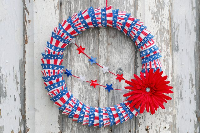 14 Patriotic Cupcake Liner Wreath