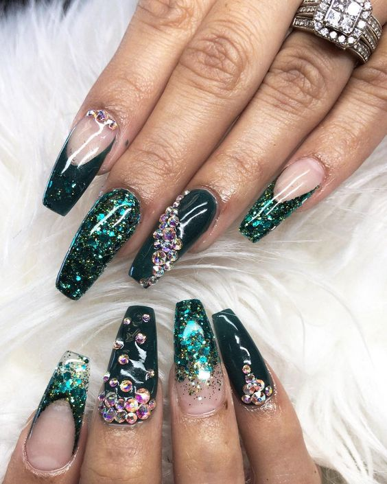 17 Emerald Green Nails