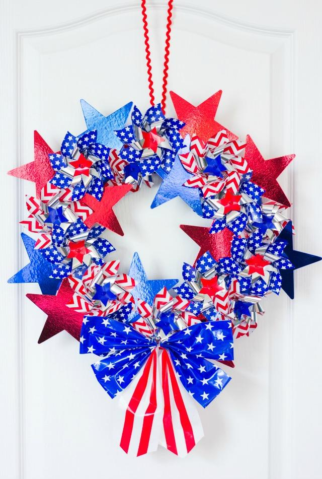 2 DIY Patriotic Pinwheel Wreath