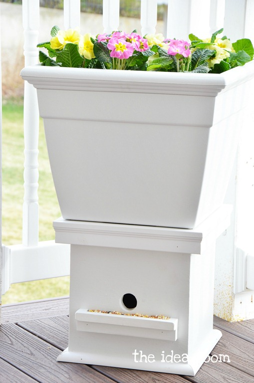 21 Flower Pot Birdhouse