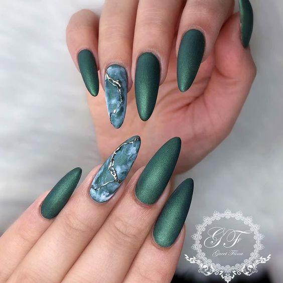 25 Emerald Green Nails