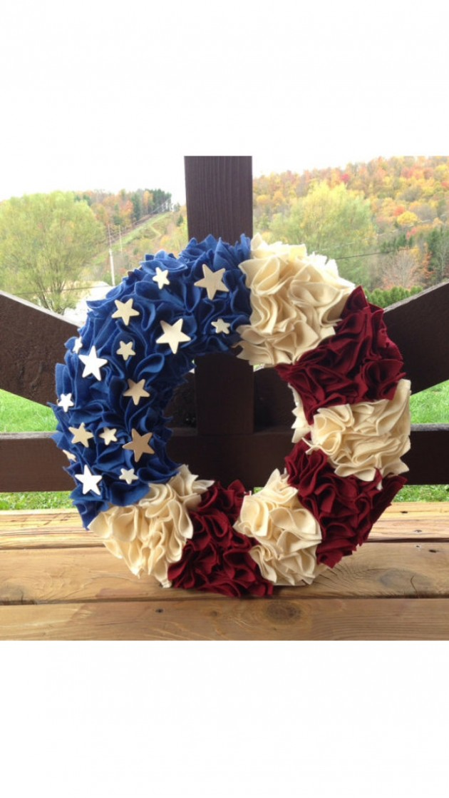 26 Patriotic Wreath with Americana country colors