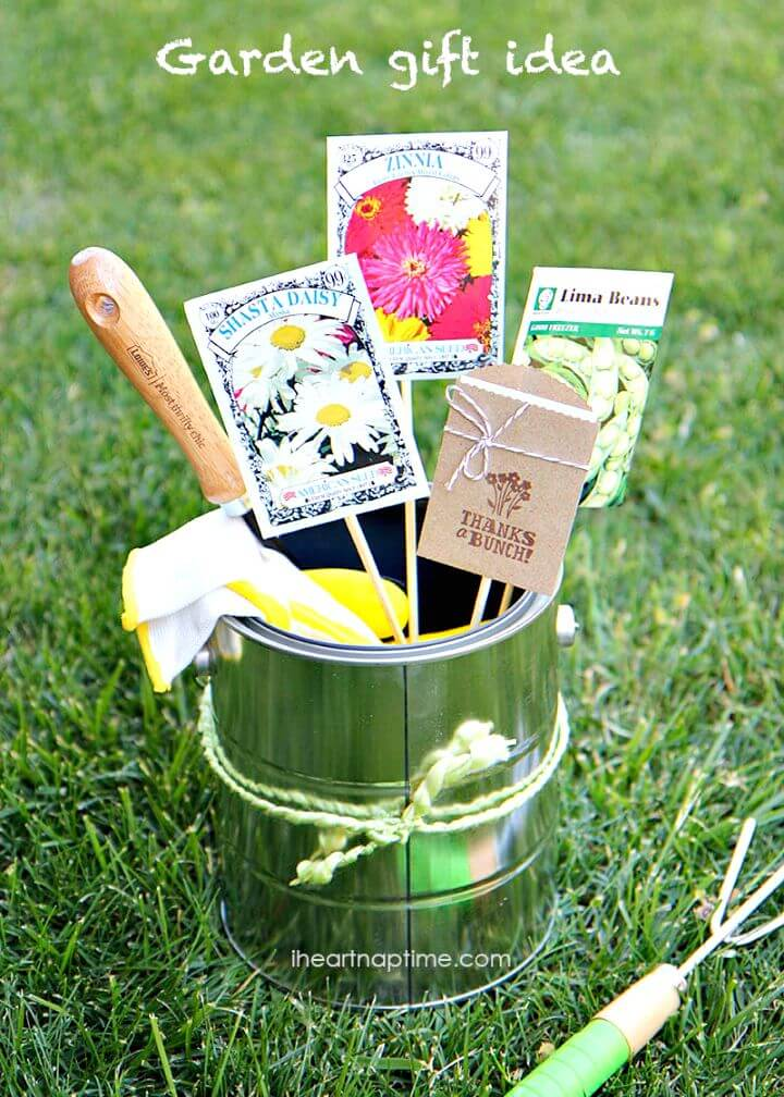 31 Cute DIY Mothers Day Gardening Gift