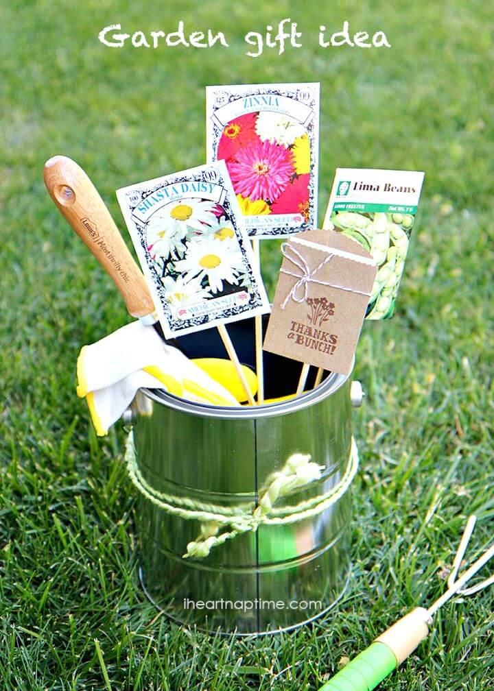 31 Cute DIY Mothers Day Gardening Gift