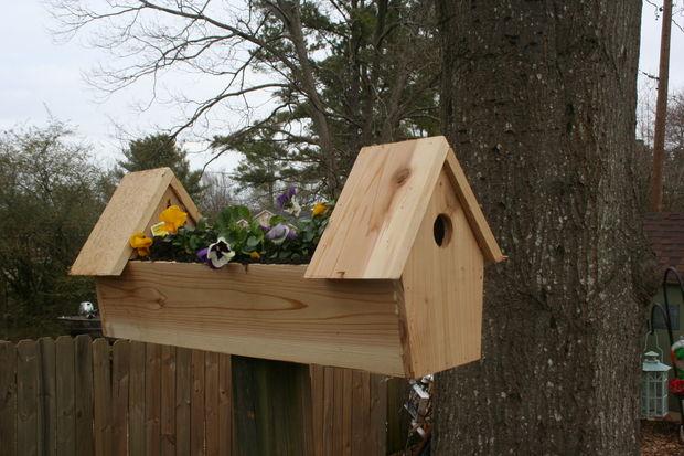 33 Cedar Double Birdhouse Planter