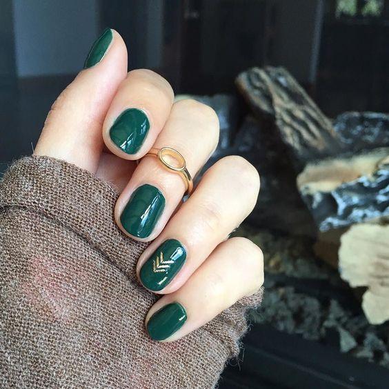 33 Emerald Green Nails